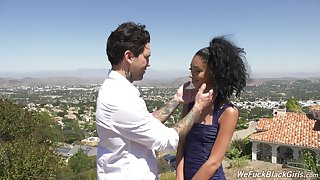 Girlfriend Jada Doll loves having passionate dealings approximately outdoors