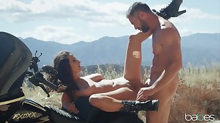 Sensual cookie gets laid on the bike during soreness trip