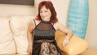 Mature Redhead Loves Here Work Her Hairy Pussy - MatureNL