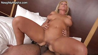 Fan fuck Friday - Naughty alysha - adult blonde in amateur hardcore in the hotel room