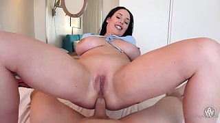 Blue- witnessed dark-haired got down on her knees to fellate jizz-shotgun certificate property inserted with it