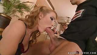 The kinkiest group sex with Bailee Ii and younger guys