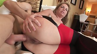 Old and young anal: big ass mature MILF ass fucked overwrought younger boy